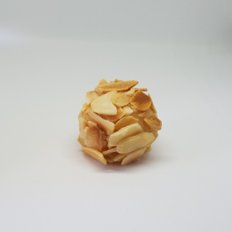 Brigadeiro gourmet de amêndoa
