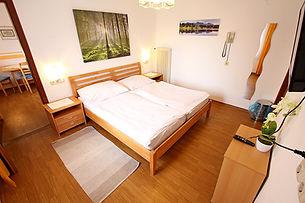 Zimmer15-1.jpg