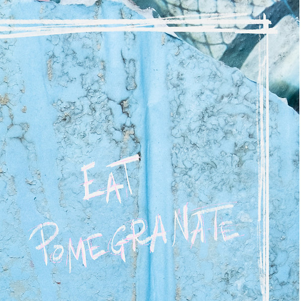 Santa-Mangrana-Eat-Pomegranate-Corte-B.-