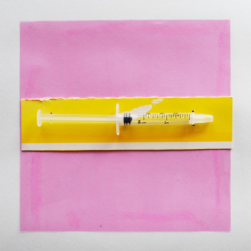 黄色ピンク注射器.jpg
