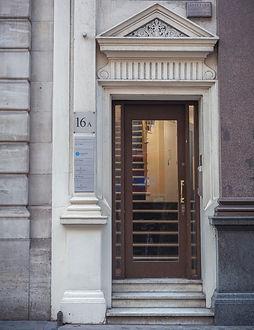 London - Door 001.jpg