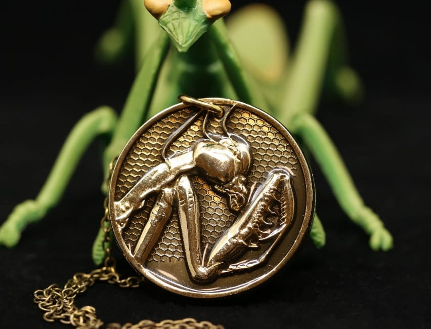 Praying Mantis medallion