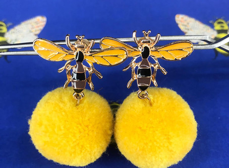 BEE AND POLLEN EARRINGS