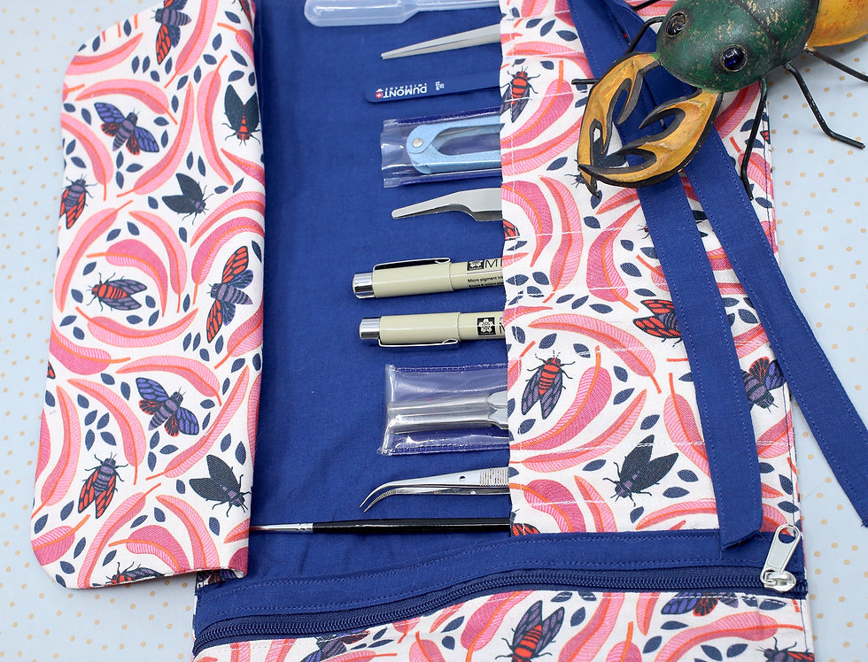 The indispensable entomological tool roll up - Cicadas