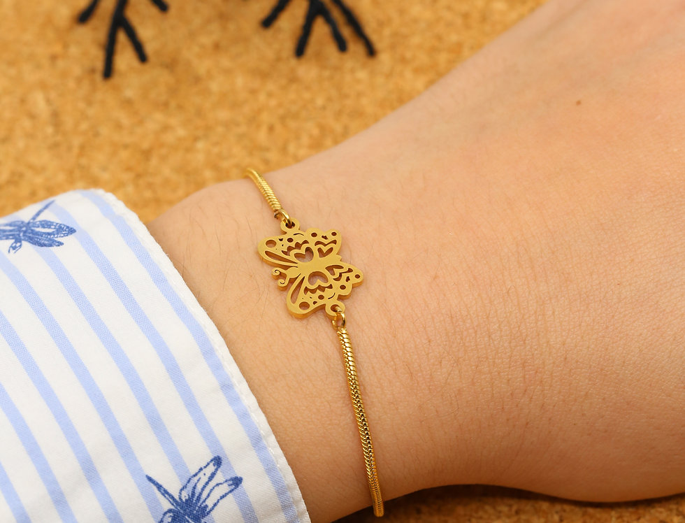 Golden butterfly bracelet - Adjustable