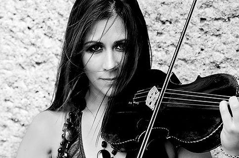 geigerin-electric-violinistin-solo-musik