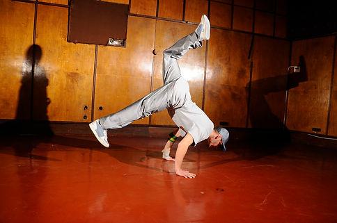 breakdance-hip-hop-street-style-tanz-urb