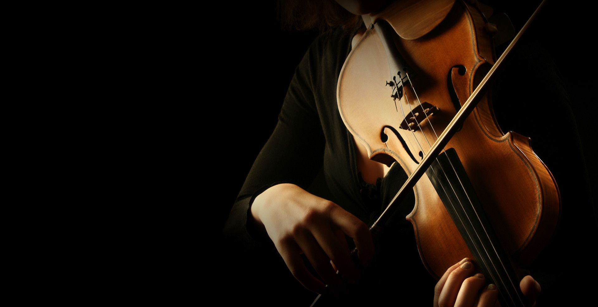 Violin player. Violinist hands playing v