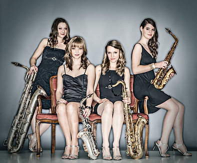 Damen Band, Saxophon Quartett, Walk Act, Show Act, Saxophon, Musik Einlage, Event, Künstleragentur,  www.sugar-office.com, Sugar Office