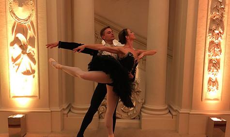 ballett-klassik-tänzer-tänzerin-schwan