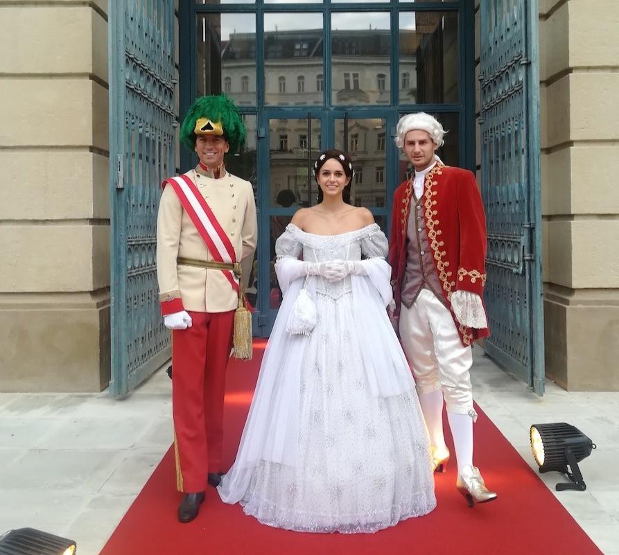 walking-act-kaiserin-elisabeth-sissi-kaiser-franz-joseph-mozart-imperial-historisch-oesterreich-wien-sugar-office