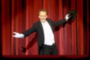 Event Magier, Zauberer, Tisch Zauberei / close up magic,Telekinese, Mentalmagie, magic fake Security - auch als Duo Act, magic drinks - optional mit Hostessen, komischer Kellner, Bauchredner, Stimmenimitator, Animationsgags, Moderation, Show, Show Act, Entertainment, Musik, Unterhaltung, Corporate Events, Galas, Österreich, Wien, Künstleragentur Sugar Office, www.sugar-office.com, Manu Gamper
