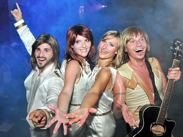 ABBA TRIBUTE SHOWBAND