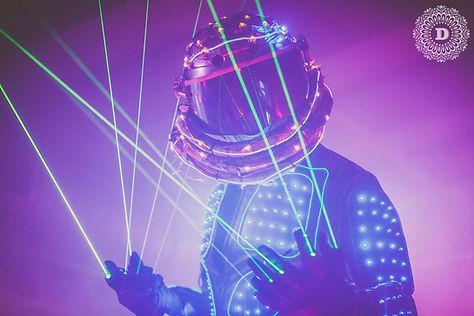 led-laser-man-showact-walkingact-taenzer