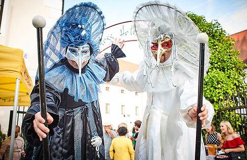 venezianische-stelzen-karneval-walkingac