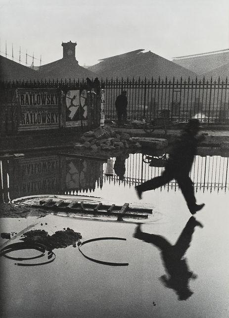 Henri Cartier - Bresson Behind the Gare