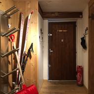 Entrée du chalet avec chauffe chaussures à ski