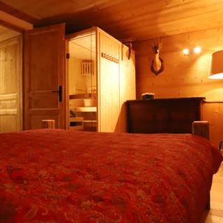 Chambre adulte vue du sauna