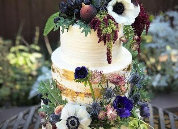 THREE-TIERED CAKE (Non-Vegan or Vegan)
