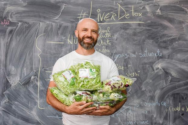 Agriro Fresh sustine Concursul de Mancat Salata, concept inedit lansat de trainerul Cristi Cristea