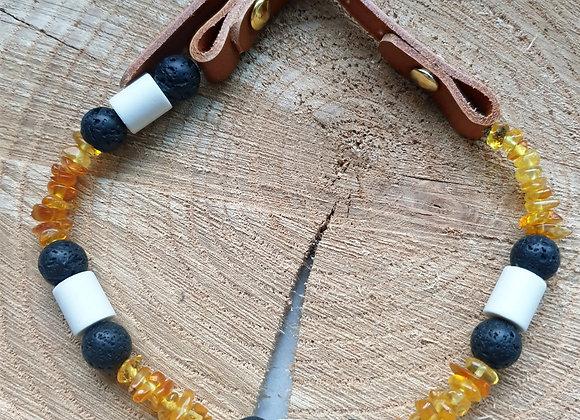Collier ambre, céramique et pierre de lave