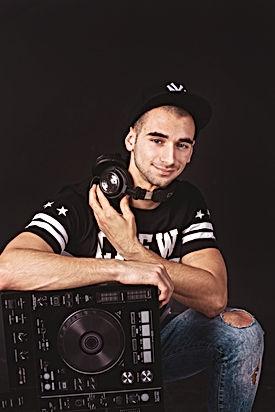 DJ Aivan.jpg
