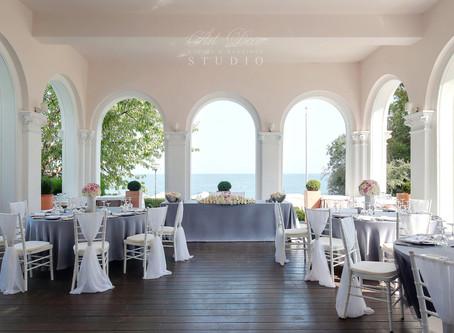 Сватбената маса на младоженците – уникалното бижу на сватбения декор!