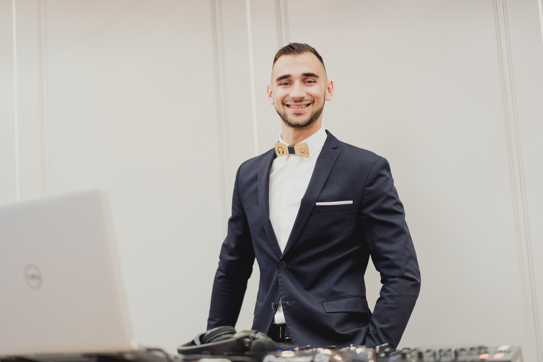 DJ Айвън сватбен водещ Варна