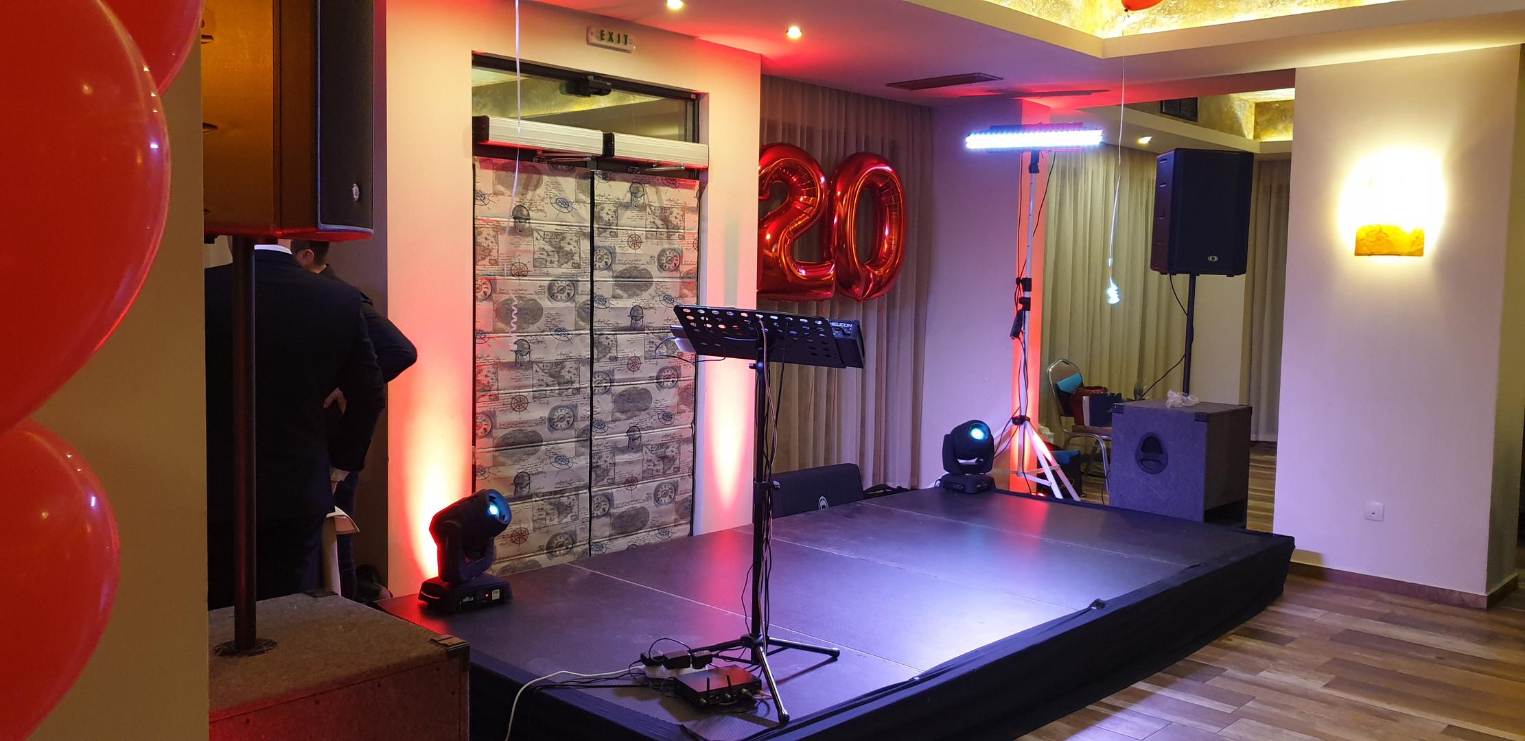 Монтаж на сцена/подиум за събитие в хотел Голдън Тулип Варна