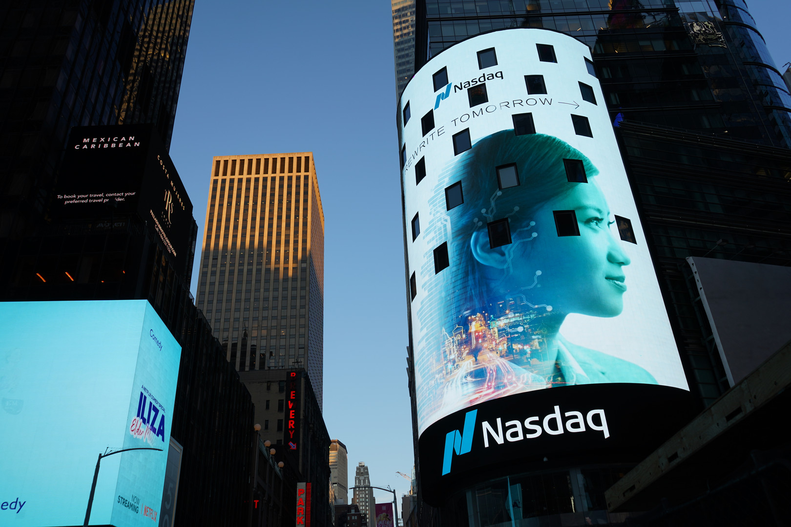 Times Square - Global Media Center