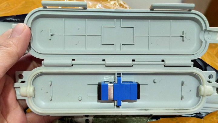 FIBER OPTIC WATERPROOF PROTECTION BOX WITH SC TO SC COUPLER