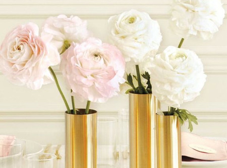 5 ways to make those supermarket flowers look luxurious.