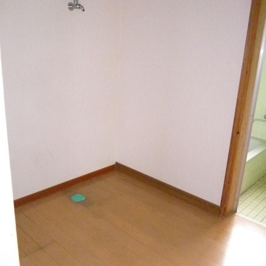 スカイハイツ101-洗濯機置場