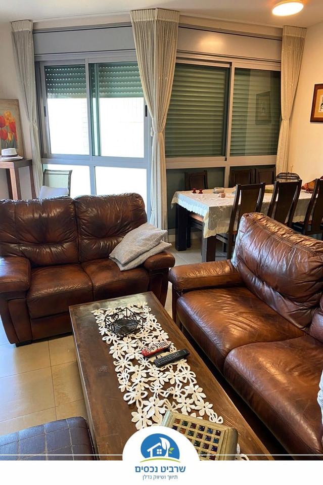 דירת 5 חדרים מרווחת במיקום מעולה
