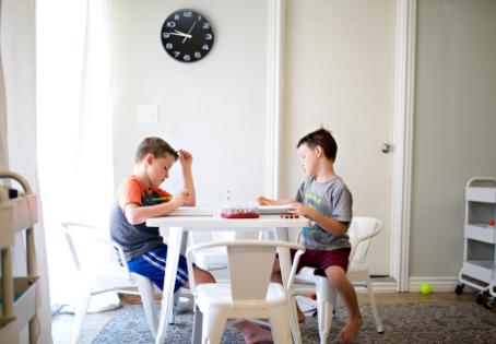 7 Maneiras de ajudar seus filhos nas aulas virtuais
