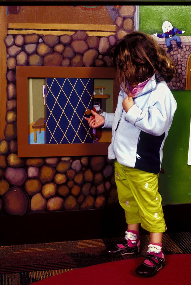 moveable window, Inger Boye Children's Room, Highland Park Library, IL
