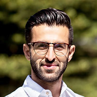 Farzan Dadfar, NKS Health | Specialty Pharmacy, Canada