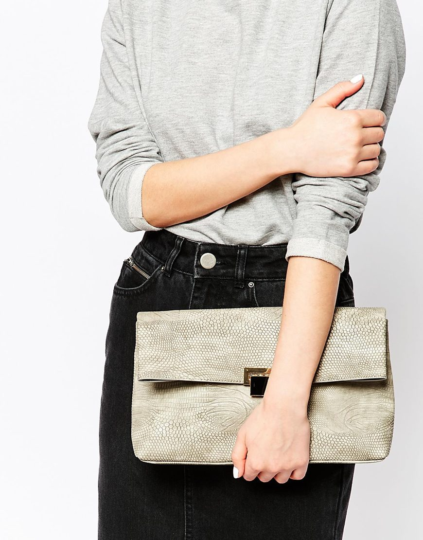 Enamel Lock Clutch