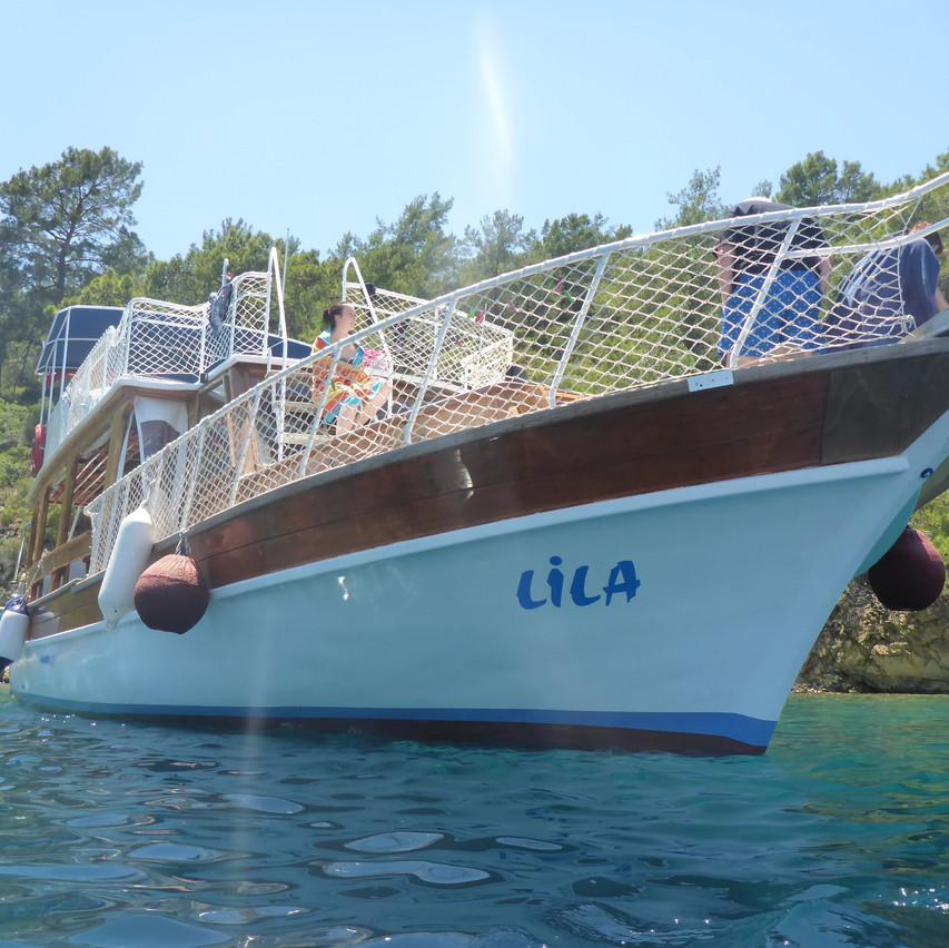 Lila Boat