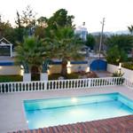 Villa Avocado Pool