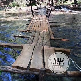 Y E Ş I L  V A D I .. über diese Brücke muss man sich trauen.jpg