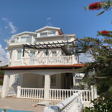 Villa Avocado