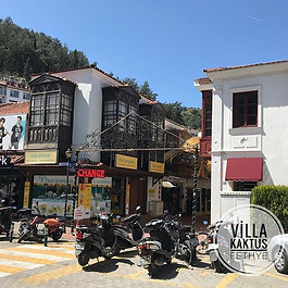 F E T H I Y E  O L D T O W N  hier sind schöne Geschäfte, Bars, Clubs  und leckere Restaurants_.._.._.._.._..jpg