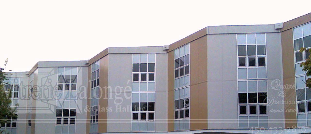 Mur-Rideau avec fenêtres