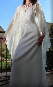 Long lace Cape