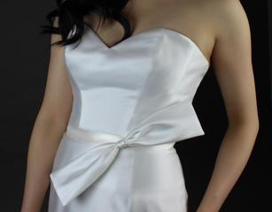 Diagonal bow ribbon sash
