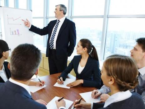 Empresas apelan a consultorías para retener talentos y mejorar gestión