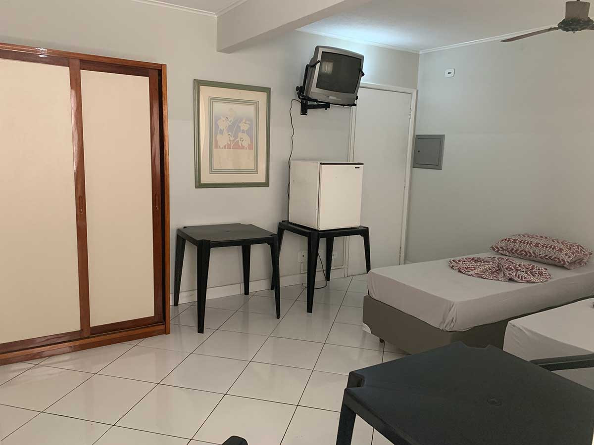 Central Plaza Flat