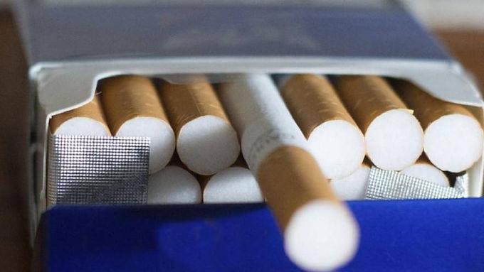A partir del lunes aumentan algunas marcas de cigarrillos