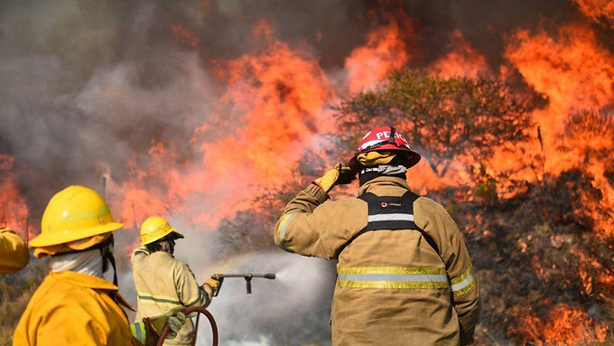 Declaran alerta roja por los incendios en Córdoba